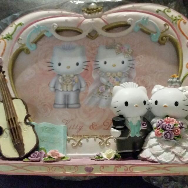 Hello Kitty & Daniel Porcelain Frame (608B - 20)