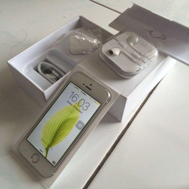 Iphone 5s 64GB Silver (IOS terbaru IOS 10) e3908c8d62