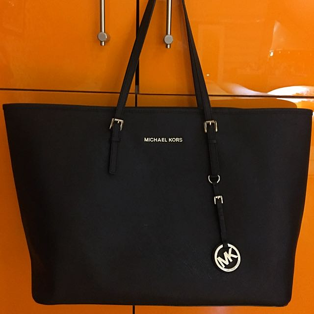 Jet Set Saffiano Tote Bag From Michael Kors