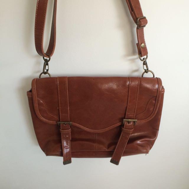 🚫pending🚫 Little Leather Satchel