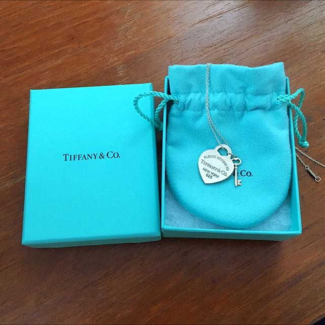Return to Tiffany medium heart tag with key pendant necklace