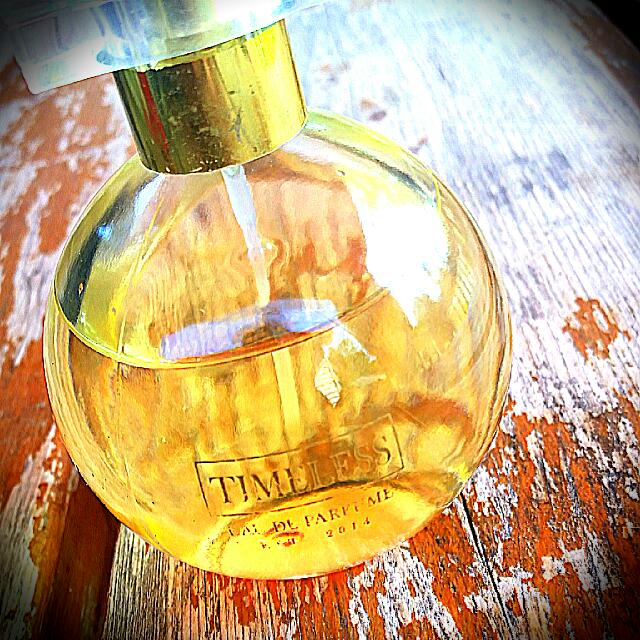 Timeless Fragrance. Eau Perfume