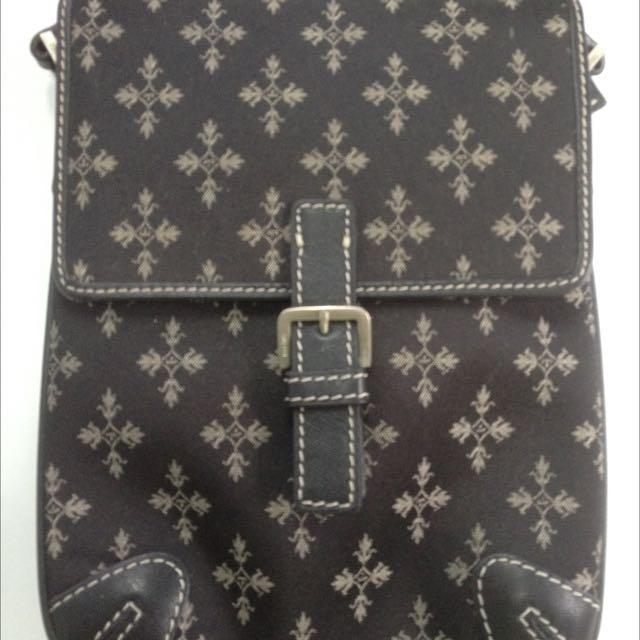 Toscano Sling Bag - Authentic. #bersihkanlemari