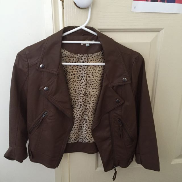 valley girl size 8 Fake leather jacket