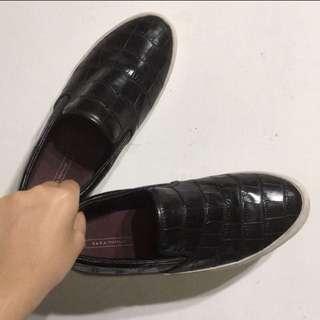 ZARA 鱷魚紋 黑色休閒鞋 平底鞋