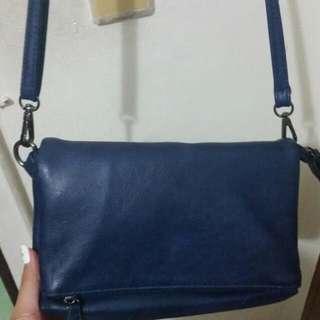 藍色斜背包