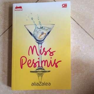 miss pesimis (aliazalea)