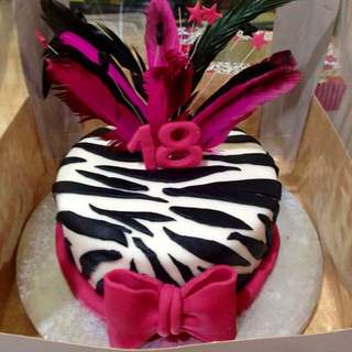Personalized Cakes and Cupcakes