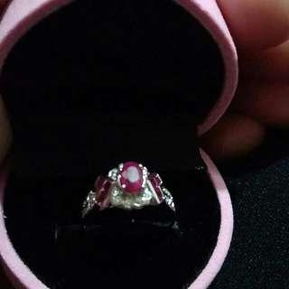 🚚 天然紅寶石鑽石戒指