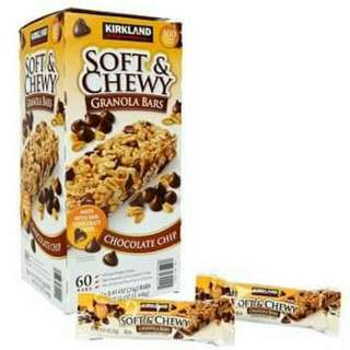 KIRKLAND SOFT & CHEWY CHOCOLATE CHIP GRANOLA BARS Box of 60