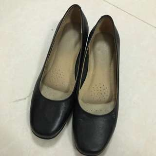 Suit Shoes Size 39