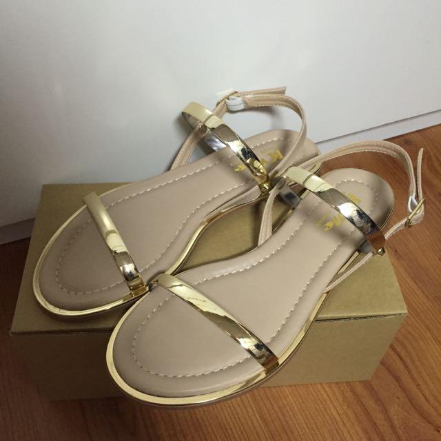 全新涼鞋,金色