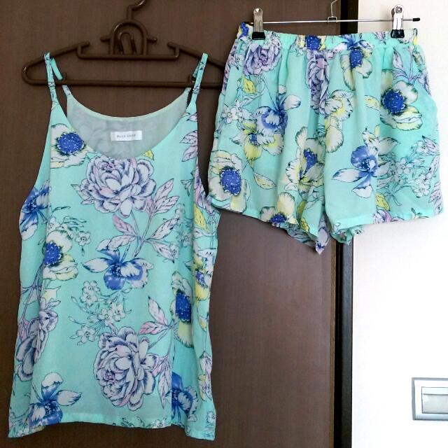 全新東區購入絕美藍綠印花套裝