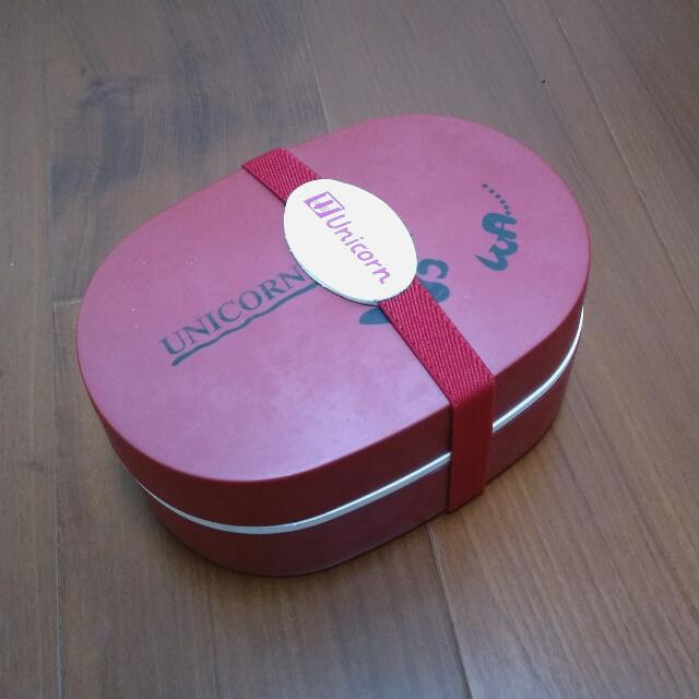 全新 隔層紅色便當盒