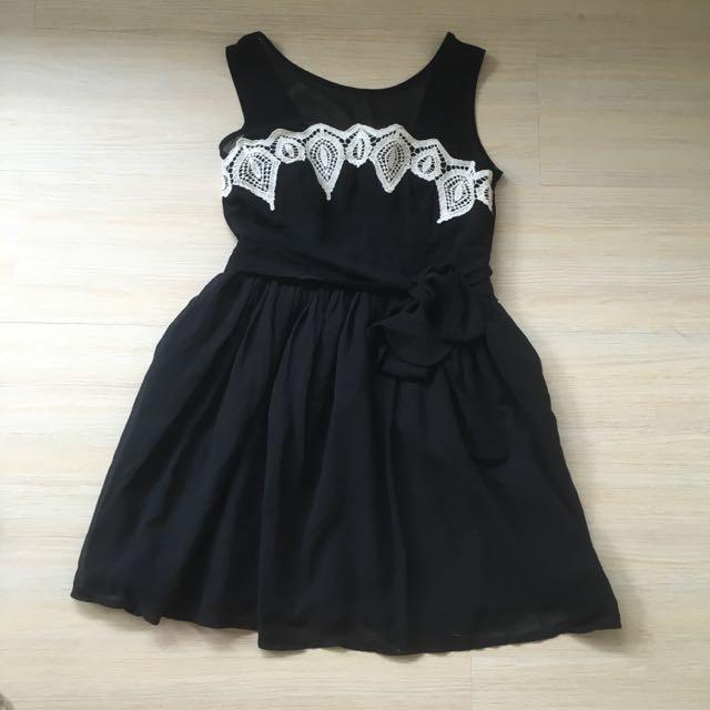 透膚 無袖刺繡黑色雪紡紗洋裝