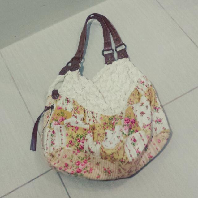 Bag With Lace