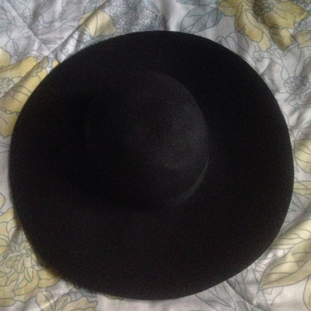 Black Large Rim Hat