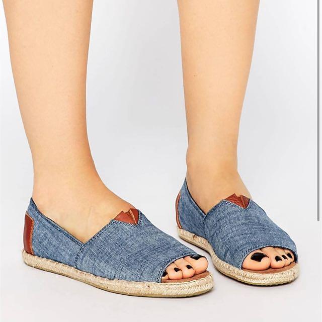 BNIB TOMS Alpargata Open Toe Flat Shoes