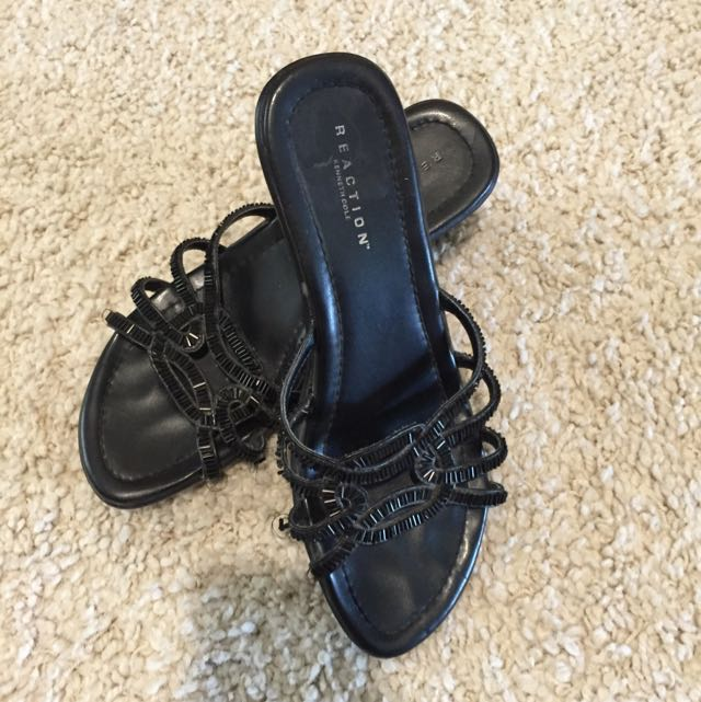 Kenneth Cole Sandals (size 6)