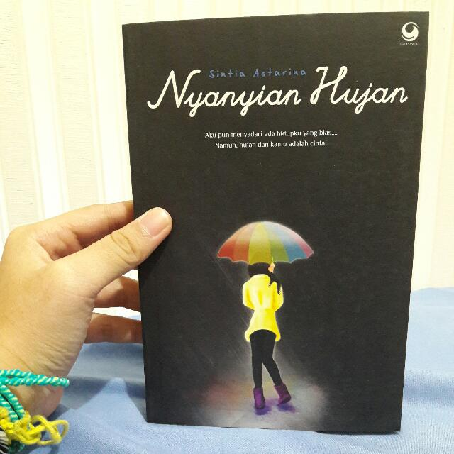 Novel - Nyanyian Hujan
