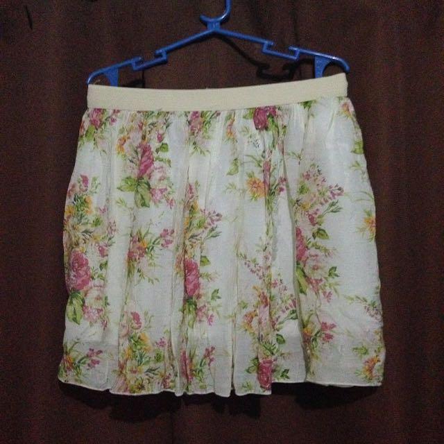 SALE 120 💕floral skirt