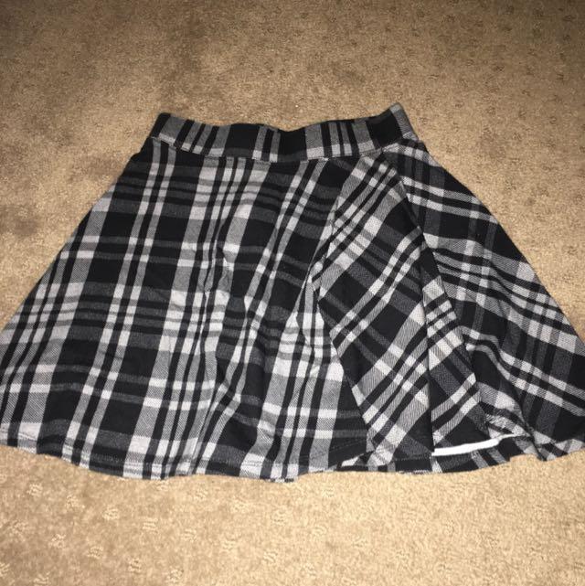 Supre Black And White Checkered Skirt