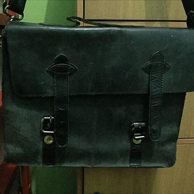 Topman Postman Bag Leather Black