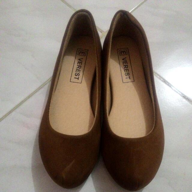 Verest Shoes