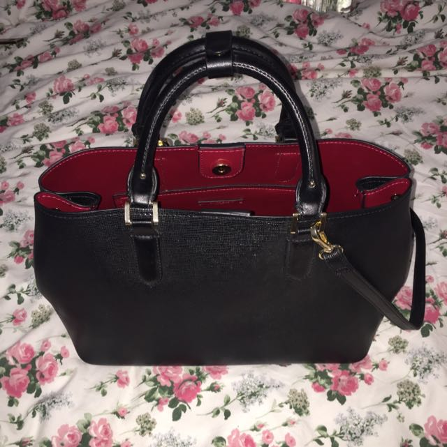 c3691b2ac0 Zara handbag (red Interior black)