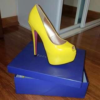 New Marco Gianni Yellow High Heels