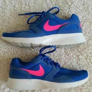 Nike KAISHI Runner, Size 7