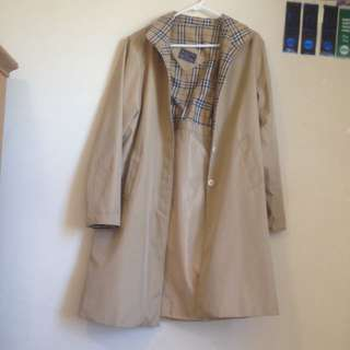 fake burberrys Trench coat (Beige)