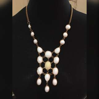 F&H White Statement Necklace