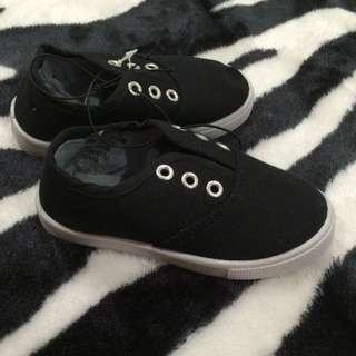 NEW Toddler Boys size 6 casual Black funky shoes