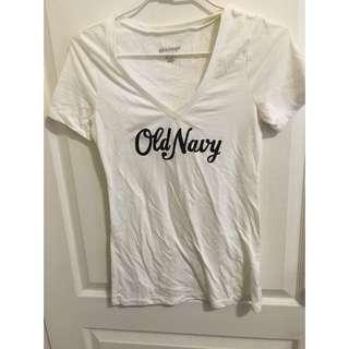 Old Navy 二手v領白t Xs