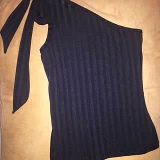 New & Never Worn Size 6-8 Sexy One Shoulder Tie Top