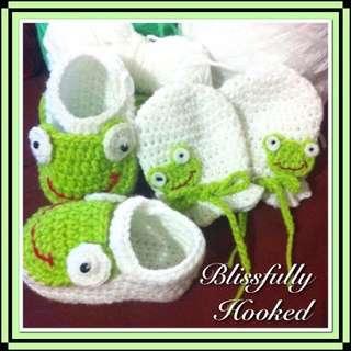 Crochet Babby Booties And Miittens