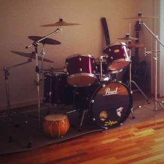 Pearl Forum  Drum kit Good Condition