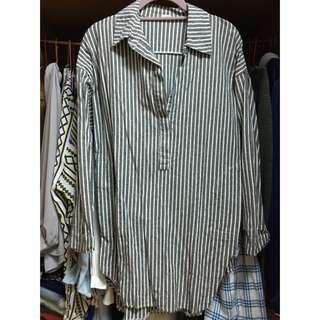 灰白條紋襯衫