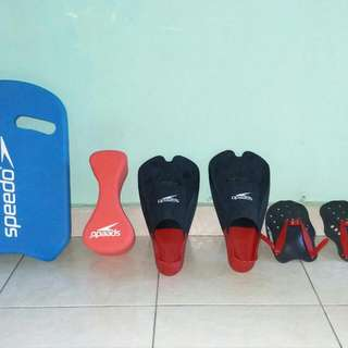 All In One Set Swimming Gears Still.Looks New .