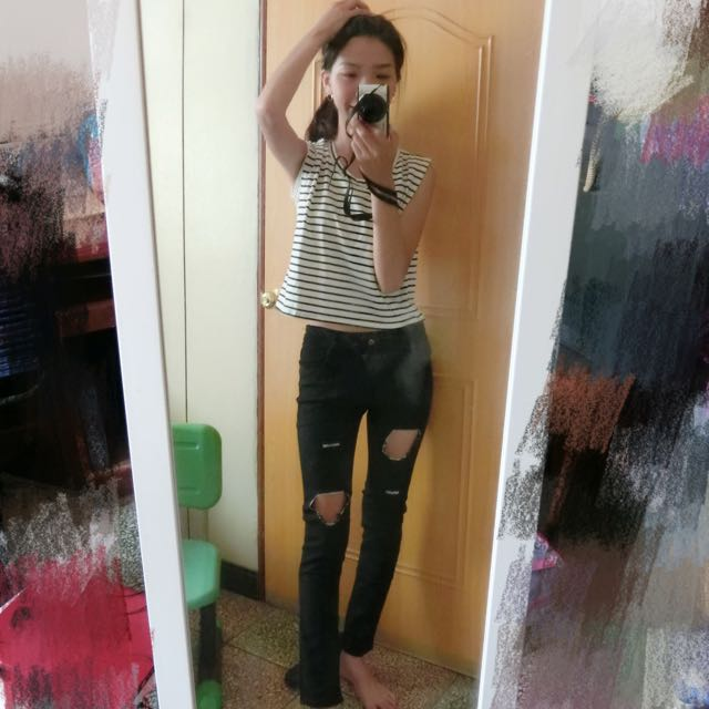 條紋無袖上衣+破褲(黑色)