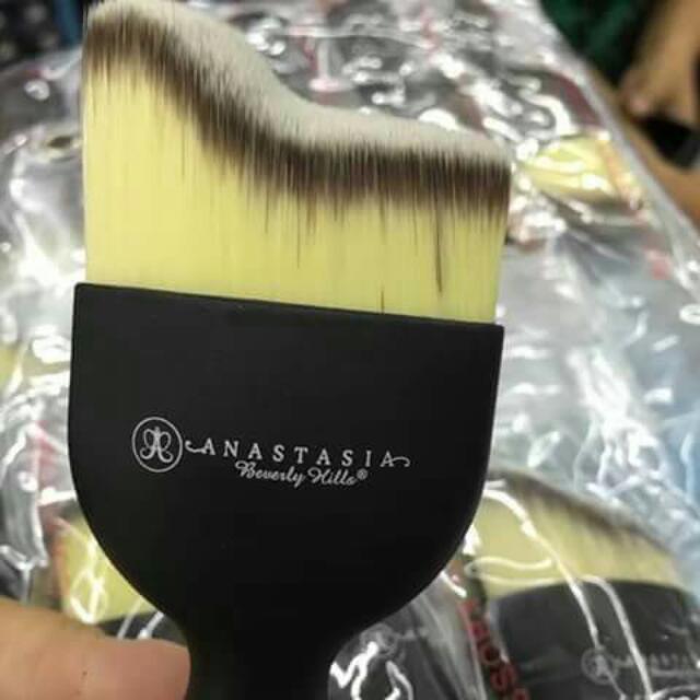 Anastasia Contour Brush