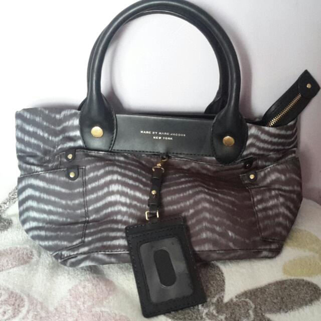 Authentic Marc Jacobs Tote Bag, Excellent Condition, Not even A little defect. No Dustbag, Card Only.