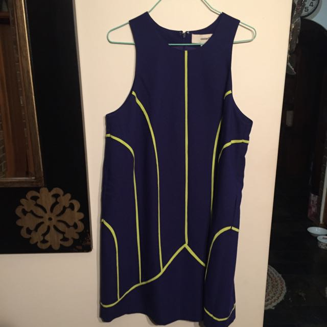 Cameo Dress size M
