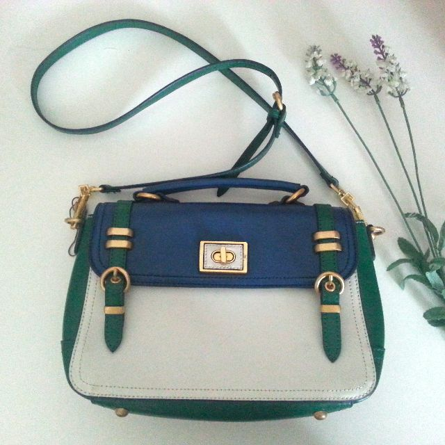 Charles & Keith Handbag Excellent pre-loved condition