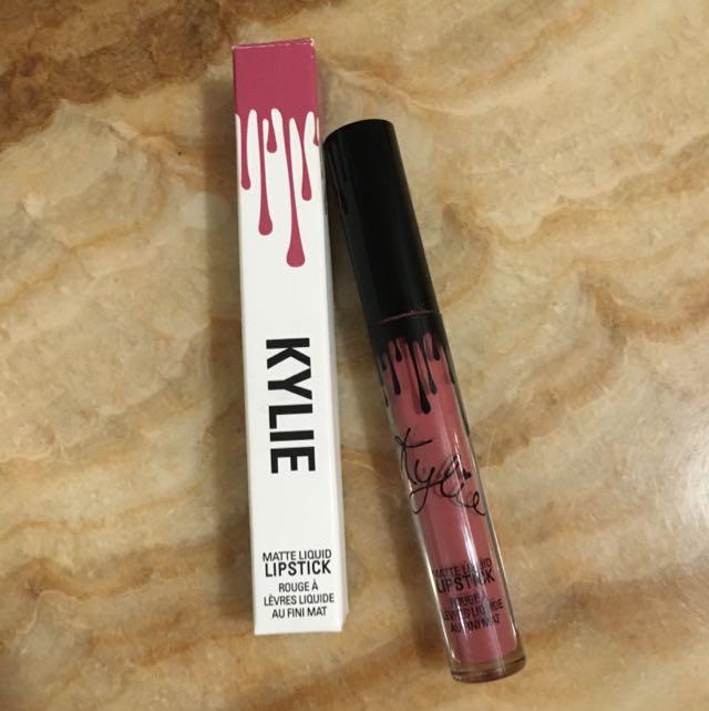 Kylie Lipstick Posie Single