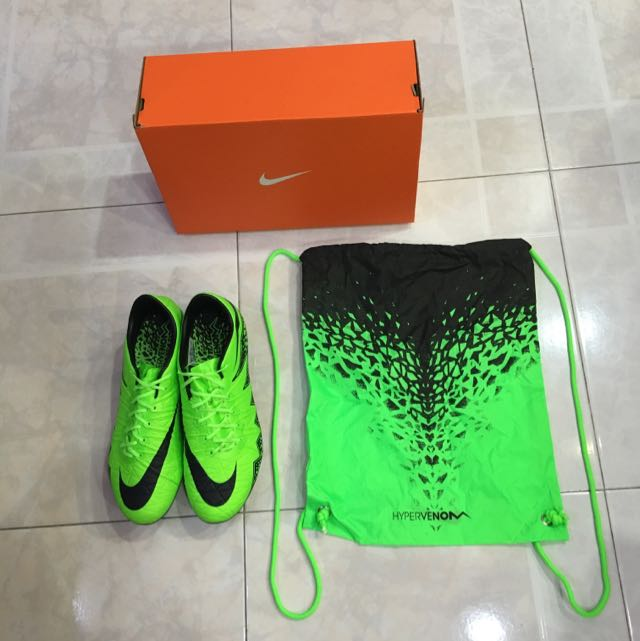 5d9f54e389e PRICE REDUCED   Nike Hypervenom Phinish FG - Green Strike   Black ...