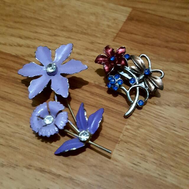 SALE | Set Of 2 Flower Brooches
