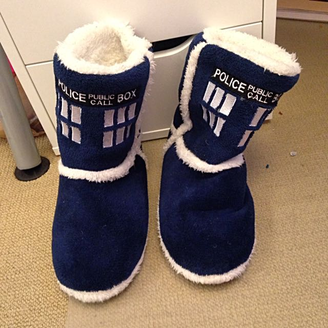 *reduced* Size 9 Doctor Who TARDIS slippers