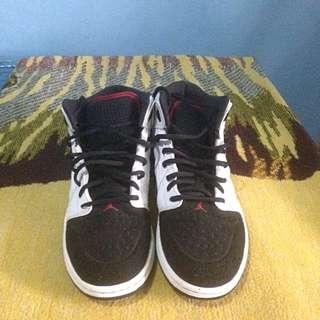 Nike Air Jordan 1 retro 99 black toe